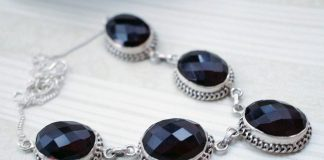 Tania i modna biżuteria - to jak najbardziej możliwe