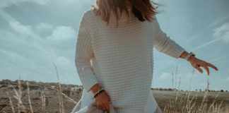 Modne sukienki dla 40 latki czyli jak się ubrać, by wyglądać kobieco i elegancko